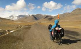 Hogyan utazzuk be a világot havi egy minimálbérből?