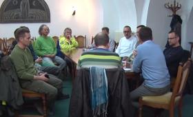 Első összejövetel